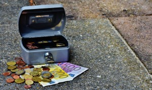 Privatleute oder Kleinunternehmer lassen bei Krediten die Bank immer öfter außen vor (Foto: pixabay.com / CC0-Lizenz)