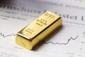 Goldaktien könnten schon bald Chancen bieten, glauben Experten. (Foto: © allstars / shutterstock)