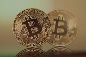 Zwei Bitcoin Krypto Münzen