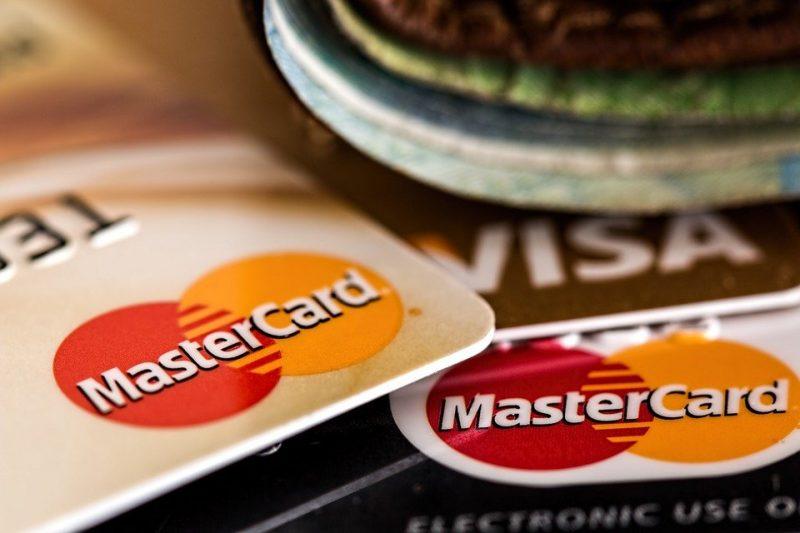 Kreditkarten und Geld - Visa und Mastercard