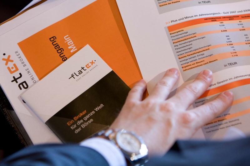 Vor dem Flatex-Börsengang: Anleger tun gut daran, einen Blick ins Verkaufsprospekt zu werfen