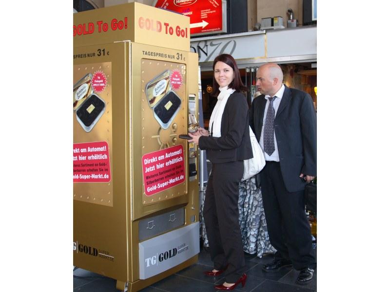 Der erste Goldautomat stand gestern in Frankfurt - weitere sollen folgen