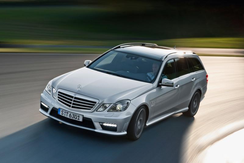 Steigende Verkaufszahlen bei der E-Klasse - dennoch fällt Mercedes hinter Audi und BMW zurück (Foto: Daimler AG)