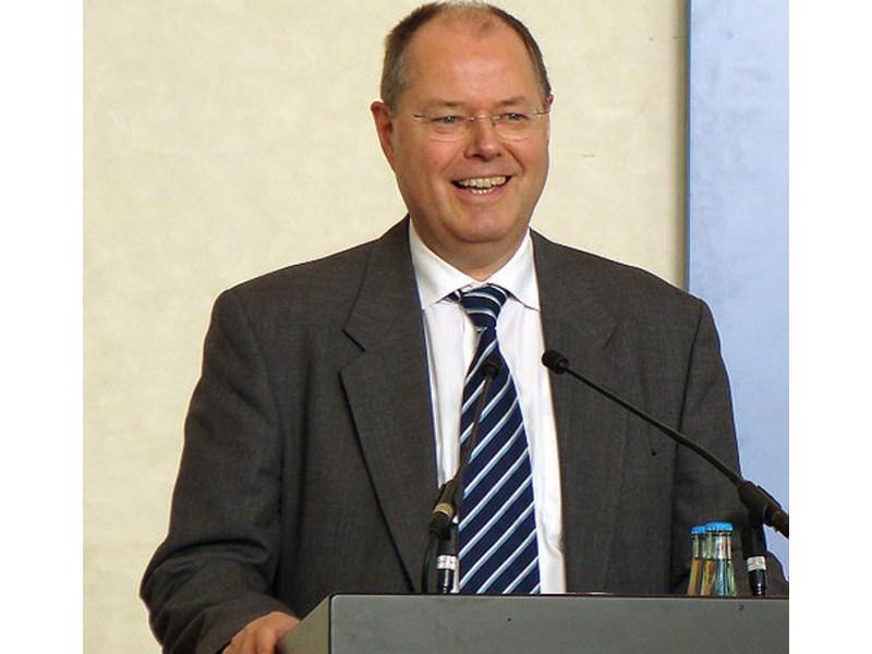 Bundesfinanzminister Peer Steinbrück spricht sich für eine Börsenumsatzsteuer aus (Foto: peter schmelzle)